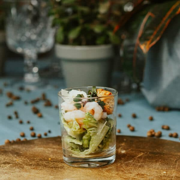 cēzara salāti uzkodas